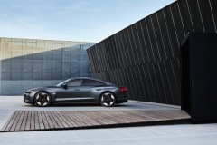 Audi_e-tron_GT_RS-09